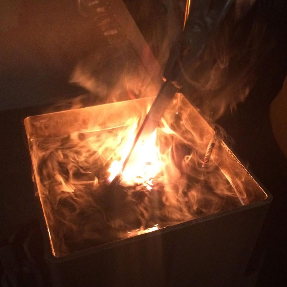 Flammen im Ölbad